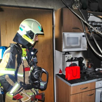 Brand-in-Geschaeft-in-Kitzbuehel